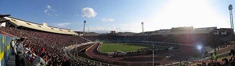 Стадион Ядегар-э-Эмам (Yadegar-e-Emam stadium)     Фото: Mehrdad Sarhangi