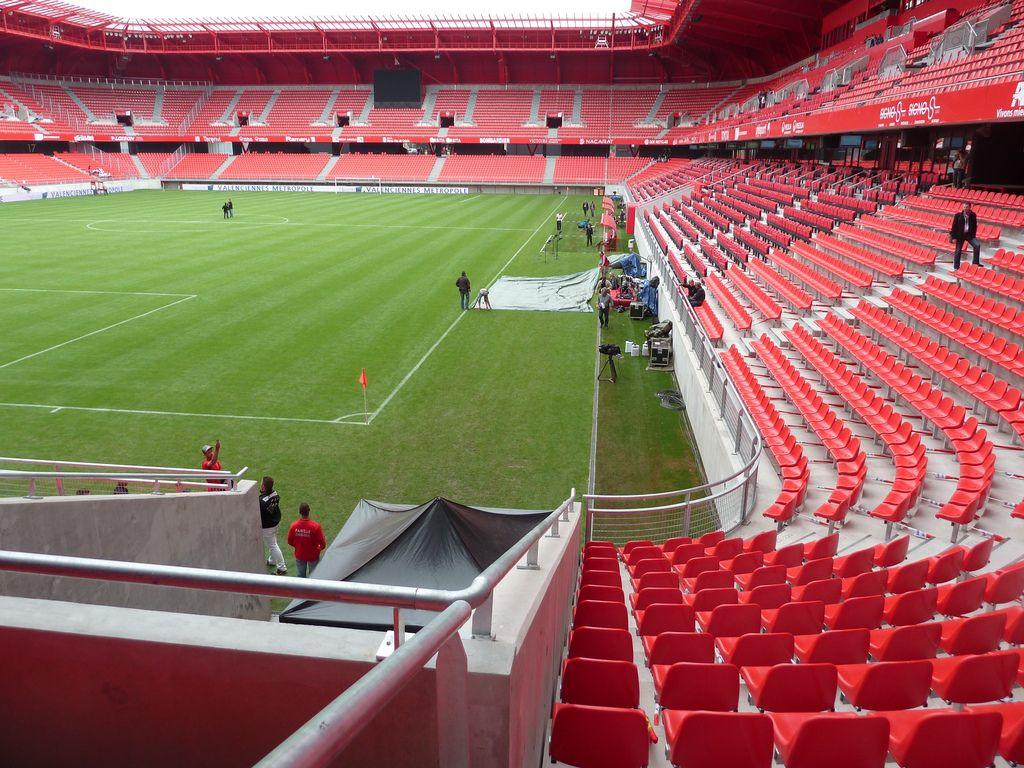 estadio de hainaut valenciennes francia capacidad espectadores equipo local. Black Bedroom Furniture Sets. Home Design Ideas