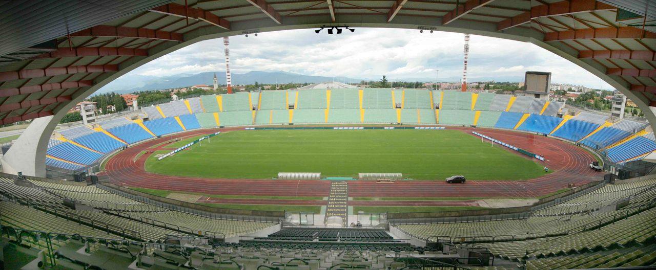 Стадион футбольного клуба удинезе фото